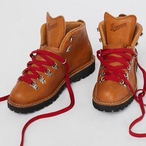 DANNER Cascade Mountain Hiker BOOTS Tan 8 8.5 10